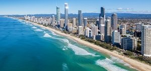 Tourist numbers boosting Queensland economy