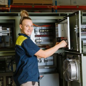 Australian Government Extends Wage Support for Apprentices